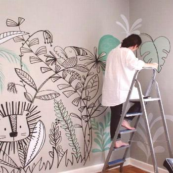 -   Mom I found it! Cheerful walls painted by hand to decorate the wall of nursery or nursery.