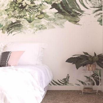 Calming green bedroom spring 2020 Spring means a lot of green! You can have is also in your bedroom
