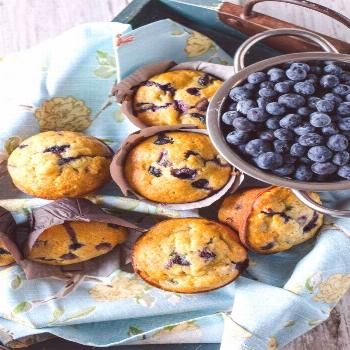 Move over lemon, blueberry and banana is the new flavor combo for spring! These Blueberry Banana Mu