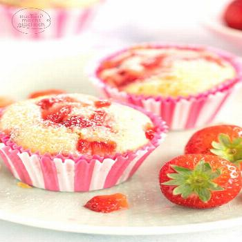 Strawberry Muffins with White Chocolate Baking makes you happy - -