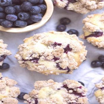 These are a family favorite! Fluffy blueberry muffins topped with a buttery cinnamon crumble toppin