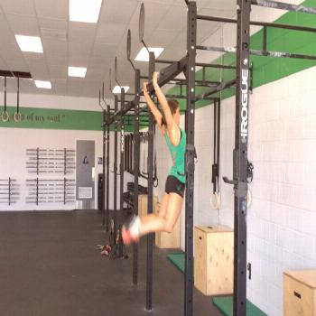 Tips For Getting Your First Bar Muscle Up! Written by Heather Hippensteel Oh, the bar muscle up. It